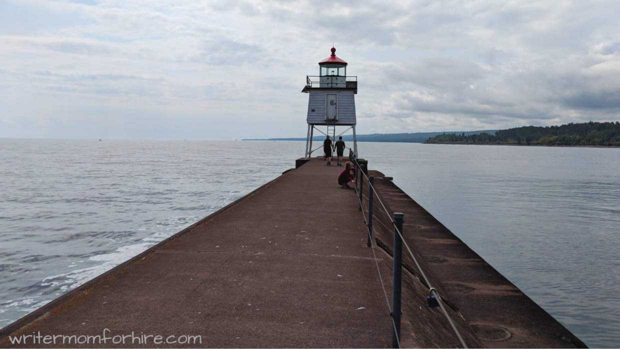 photo of a lighthouse on trip to two harbors mn