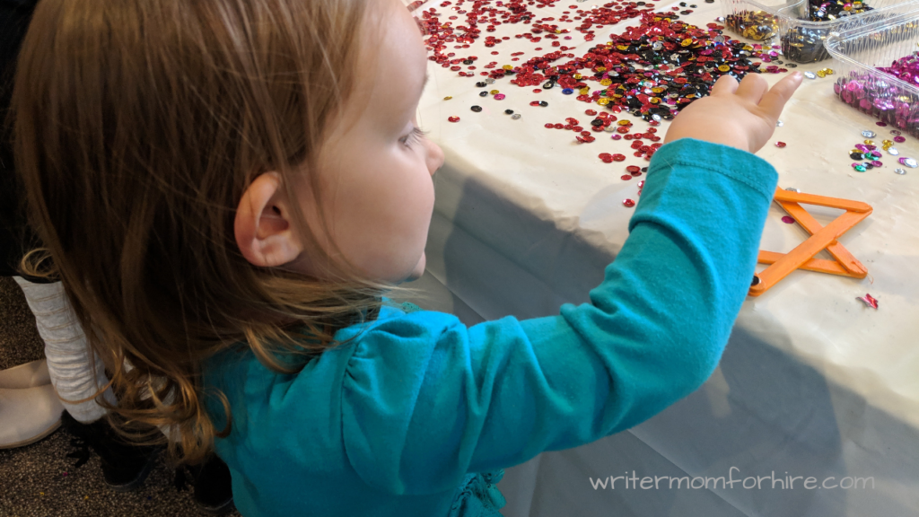 Fun Ways to Keep Toddlers Busy in the Winter
